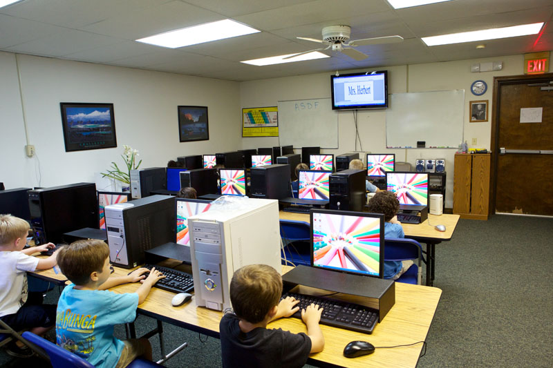 montessori_computer_class